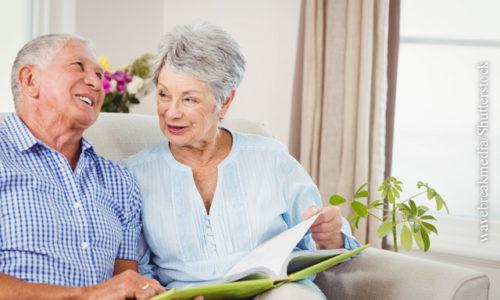 Heimdialyse bei Seniorenpaar
